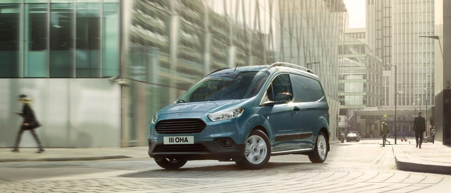 Nuovo Ford Transit Courier VARCO Milano