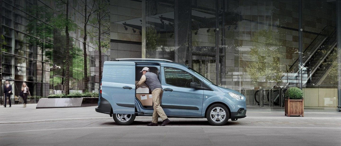 Nuovo Ford Transit Courier capienza