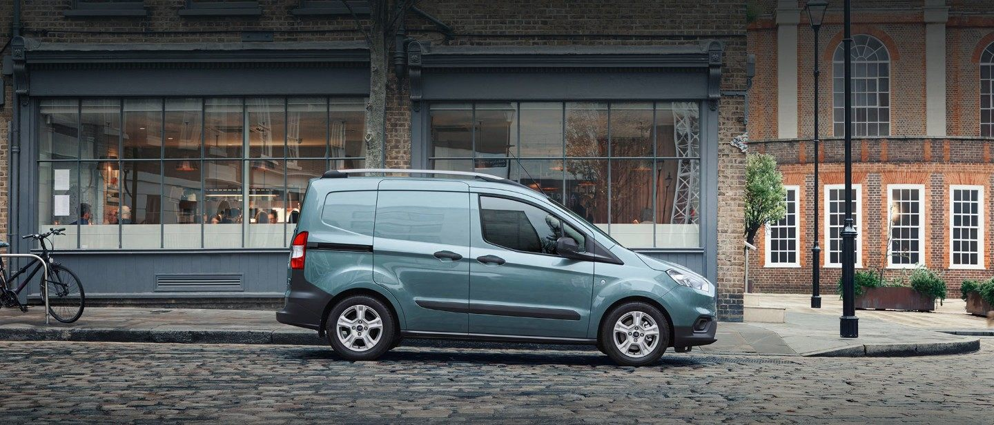 Nuovo Ford Transit Courier VARCO Milano 2