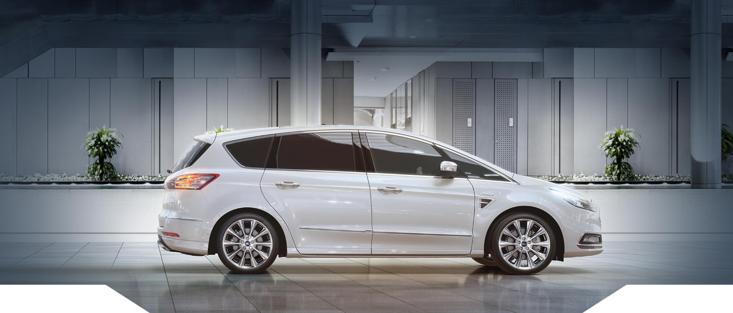 Ford S Max Vignale VARCO Milano 3